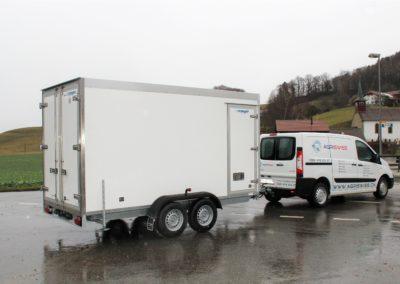 Isolierter Anhänger 100 mm mit Seitentür